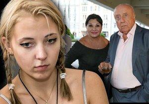 Dcera Patrasová a Slováčka neskrývá zhnusení nad tím, co se kolem ní děje.