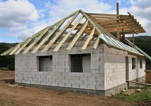 Ministerstvo pro místní rozvoj si od novely stavebního zákona slibuje, že ulehčí život drobným stavařům.