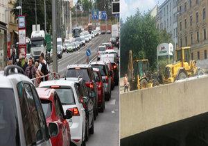 Doprava k Vítěznému náměstí vypadá spíš jako situace na parkovišti. Vpravo je zachycena rekonstrukce železničního mostu u ulice Korunovační, která je uzavřena.