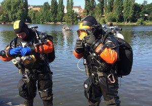 Potápěči z Modřan zasahují u spousty případů nejen v Praze.