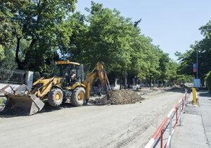 U Rokycan opravují silnici: Lidé si zajedou na objížďce 40 kilometrů!