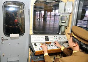 Lidé během akce nahlédnou také do kabiny historické soupravy Ečs 38.
