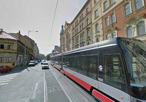 Nuselskou ulicí tramvaje stále nepojedou. Provoz se tu obnoví snad do 30. listopadu. (ilustrační foto)