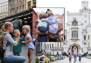Kočovná rodina, která rozprodala veškerý majetek, navštívila i Česko!