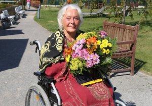 Květa Fialová v Alzeheimercentru