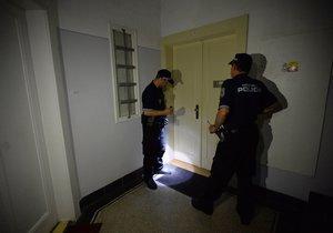 Strážníci zasahující u oznámení o rušení nočního klidu