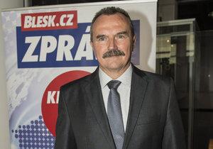 Petr Navrátil kandiduje jako jednička ČSSD ve Zlínském kraji. Teď je krajským radním zodpovědným za školství.