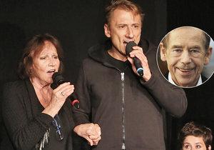 Marta Kubišová a Petr Stach zpívali Václavu Havlovi do nebe.