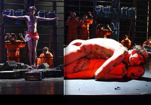 Skandální divadelní hra: Ježíš znásilňuje muslimku!