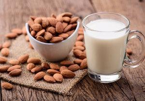 Pijete rostlinná mléka?