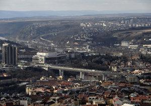 Znečištění v Praze je rok od roku horší. Nejvíce jej způsobuje automobilová vnitroměstská doprava. (ilustrační foto)