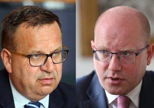 Ministr průmyslu a obchodu Jan Mládek (vlevo) a premiér Bohuslav Sobotka (oba ČSSD)