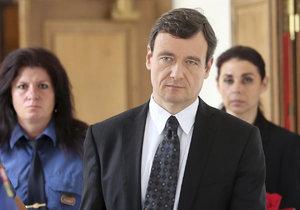Robert Pacovský a jeho trestní senát nejsou podjatí a mohou nadále rozhodovat v případu korupční kauzy kolem bývalého středočeského hejtmana Davida Ratha.