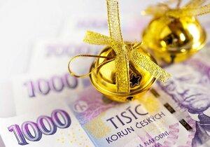 Vánoční bonusy, neboli také třinácté platy, měli Češi prý nejvyšší ze všech států střední a východní Evropy.
