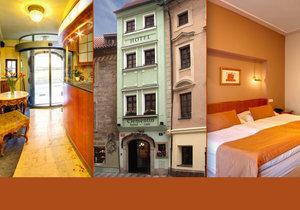 Nejužší hotel v Praze měří 3,28 metru. Turisté si budovu sami přeměřují, aby se o její šířce přesvědčili.
