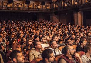 Mezipatra queer filmový festival v Praze již posedmnácté rozvíří tematiku gayů, leseb, queer a transsexuálů.