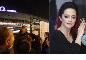 Lucie Bílá poslala vzkaz fanouškům jako omluvu za zrušené koncerty.