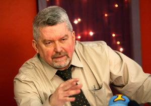 Právník Zdeněk Altner se  konce sporu nedožil. Pokračují v něm jeho potomci.