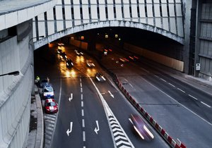 Další uzavírky v tunelech: Technici vyrazí do Blanky, Mrázovky i Strahovského tunelu