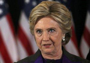 Clintonová přišla okomentovat svůj neúspěch v prezidentských volbách.