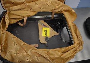 Celníci na letišti v Praze chytili pašeráka. Převážel 9 kilo heroinu.