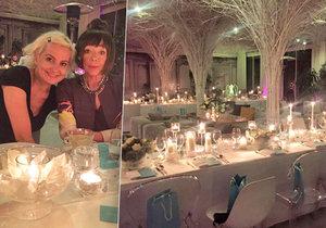 S Tiffany za svitu svíček u dýně a krocana