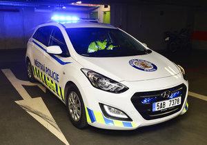 Strážníci zadrželi nebezpečného řidiče, který se Prahou proháněl pod vlivem drog. (ilustrační foto)