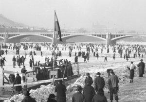 Před 150 lety vznikl v Praze první bruslařský klub. Tehdy se ještě bruslilo na Vltavě