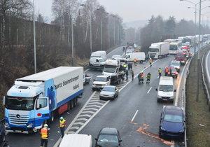 Nehoda na 21. kilometru na dálnici D1 ve směru na Brno