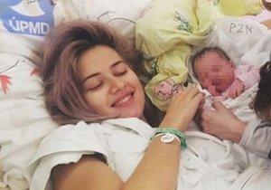 Emma Smetana zveřejnila fotku z porodnice.