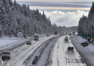 Pro kamiony se od 08:00 uzavře silnice do Polska přes Harrachov.