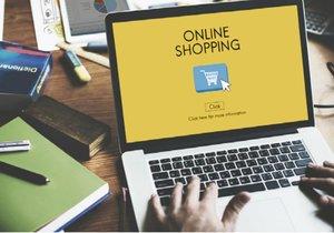 Nakupování přes internet je stále oblíbenější. Rozšíří se i prodej potravin touto cestou...