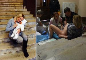 Lucie porodila v Praze-Podolí na schodech. Nebyla jediná.