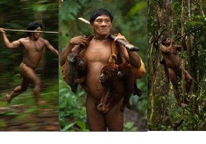 Kmen Huaorani žije v deštném pralese na východu Ekvádoru.