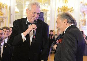 Prezident Miloš Zeman a zpěvák Karel Gott