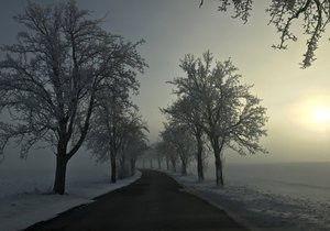 V Česku mrzlo až praštilo. Teplota přes noc klesla až na -27 °C, padaly rekordy