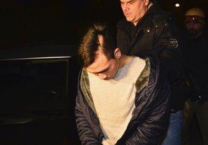 Policie zadržela muže, který přepadl hernu v Krči.