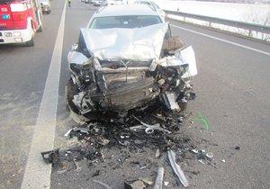 Kamionu ulétlo kolo, byly z toho dvě nehody s jedním zraněným.