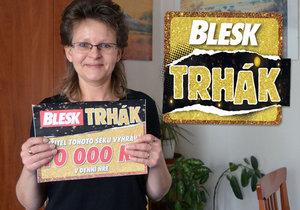 V superhře Trhák vyhrála věrná čtenářka Blesku Jana Hamzová. Za výhru si užije s manželem wellness víkend.