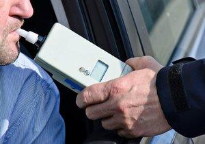 Un scientifique légiste de haut rang de la Bohême centrale a inhalé plus de 2 pour mille au volant.  (photo illustrative)