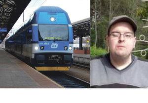 Mentálně zaostalý Jaromír (31) před osmi lety zmizel beze stopy, teď se objevil ve vlaku a zase zmizel