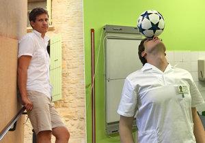 Ortoped Robert Jůzek hraje fotbal od dětství, na mistrovství světa se stal i nejlepším střelcem týmu.