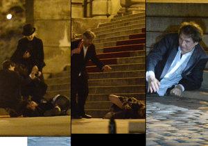Opilí lidé se po večírku na Českých lvech váleli na zemi a padali jako hrušky.