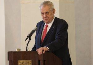 Miloš Zeman na Hradě 10. března 2017 potvrdil kandidaturu na prezidenta.
