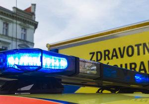 Auto v Řitce srazilo malou holčičku, zasahovali tu záchranáři. (Ilustrační foto)