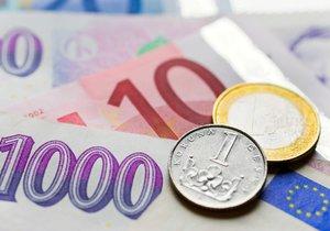 Investoři se bojí zasedání České národní banky, koruna v reakci oslabila.