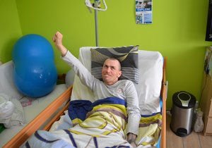 Stav Marka Petružálka (31), který byl takřka 4 roky v kómatu, se zázračně lepší.
