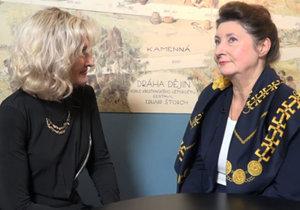 Ombudsmanka Prahy 5 mluví o svých rodičích herečce Marii Glázrové a operním pěvci Eduardu Hakenovi.