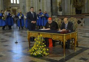 Nové varhany pro Chrám svatého Víta zhotoví španělská firma. S jejím zakladatelem smlouvu podepsal Dominik Duka.