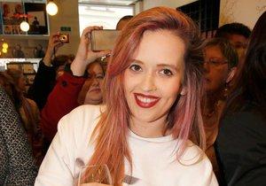 Tamara Klusová si založila blog.